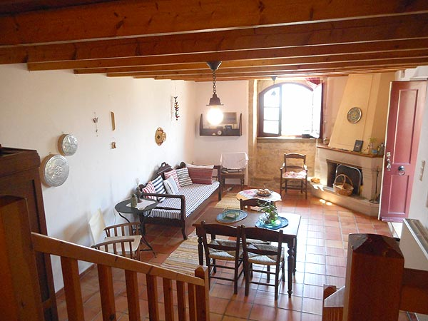 Rural house in two levels. Vacation in Crete